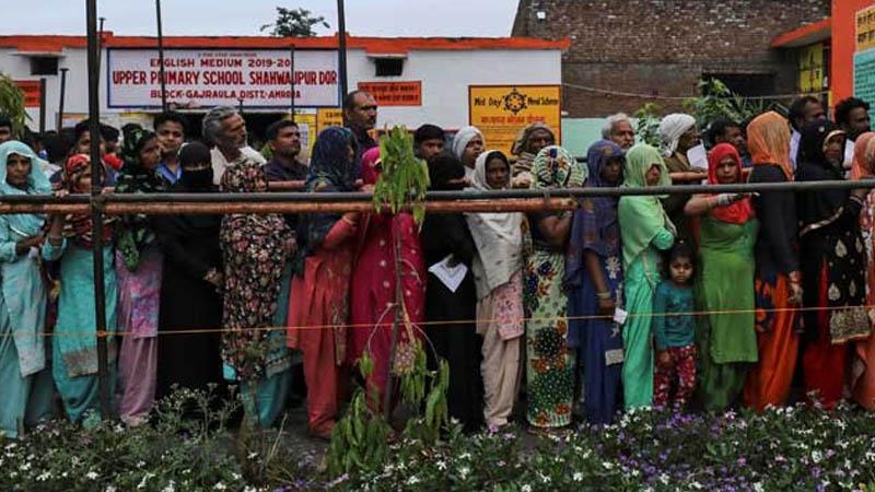ভারতে লোকসভা নির্বাচনের দ্বিতীয় ধাপে ভোট চলছে